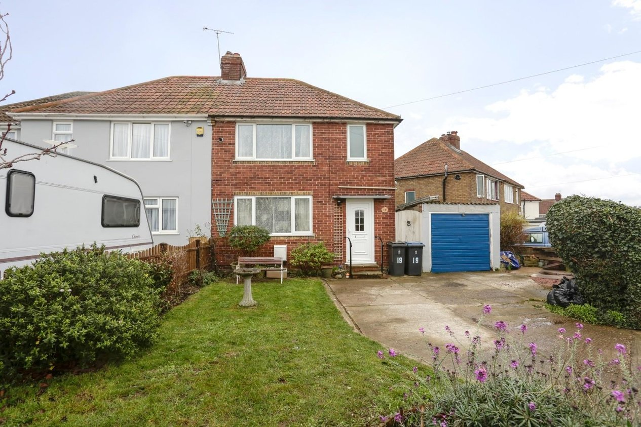 Properties Sold Subject To Contract in Astrid Road Walmer