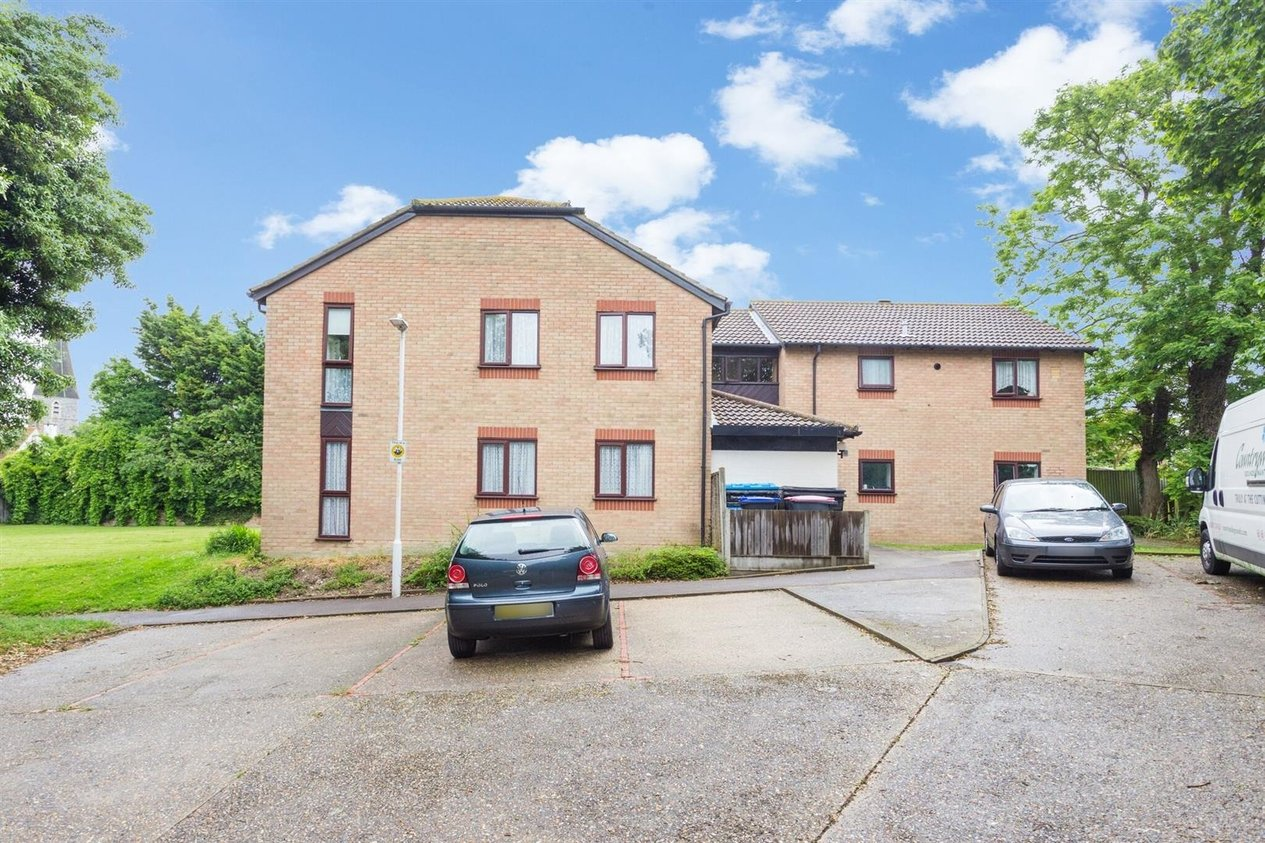 Properties For Sale in Barrows Close