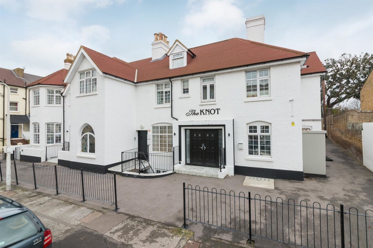 Properties For Sale in Beach Road