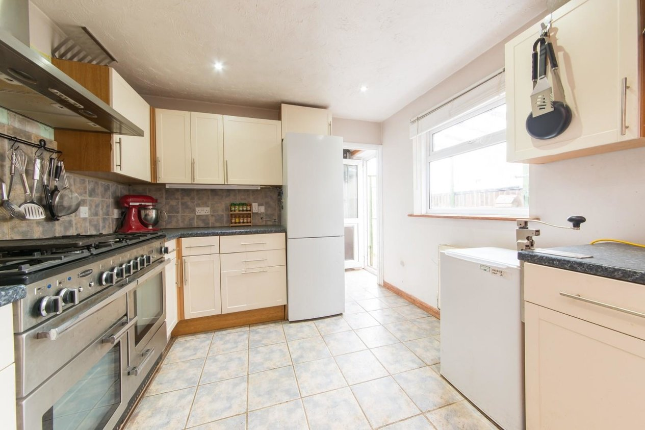 House Mid Terrace For Sale In Beacon Road Broadstairs