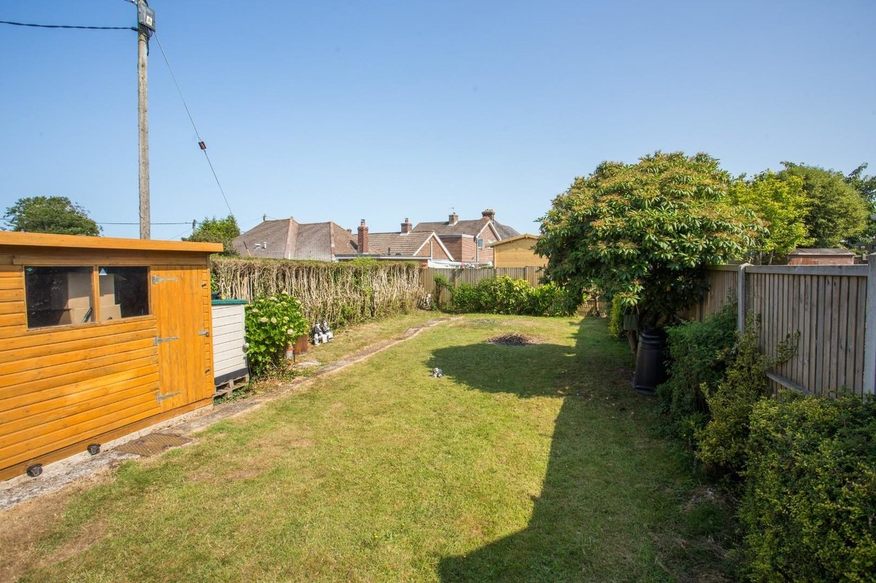 Properties For Sale in Beatrice Road Capel-le-Ferne