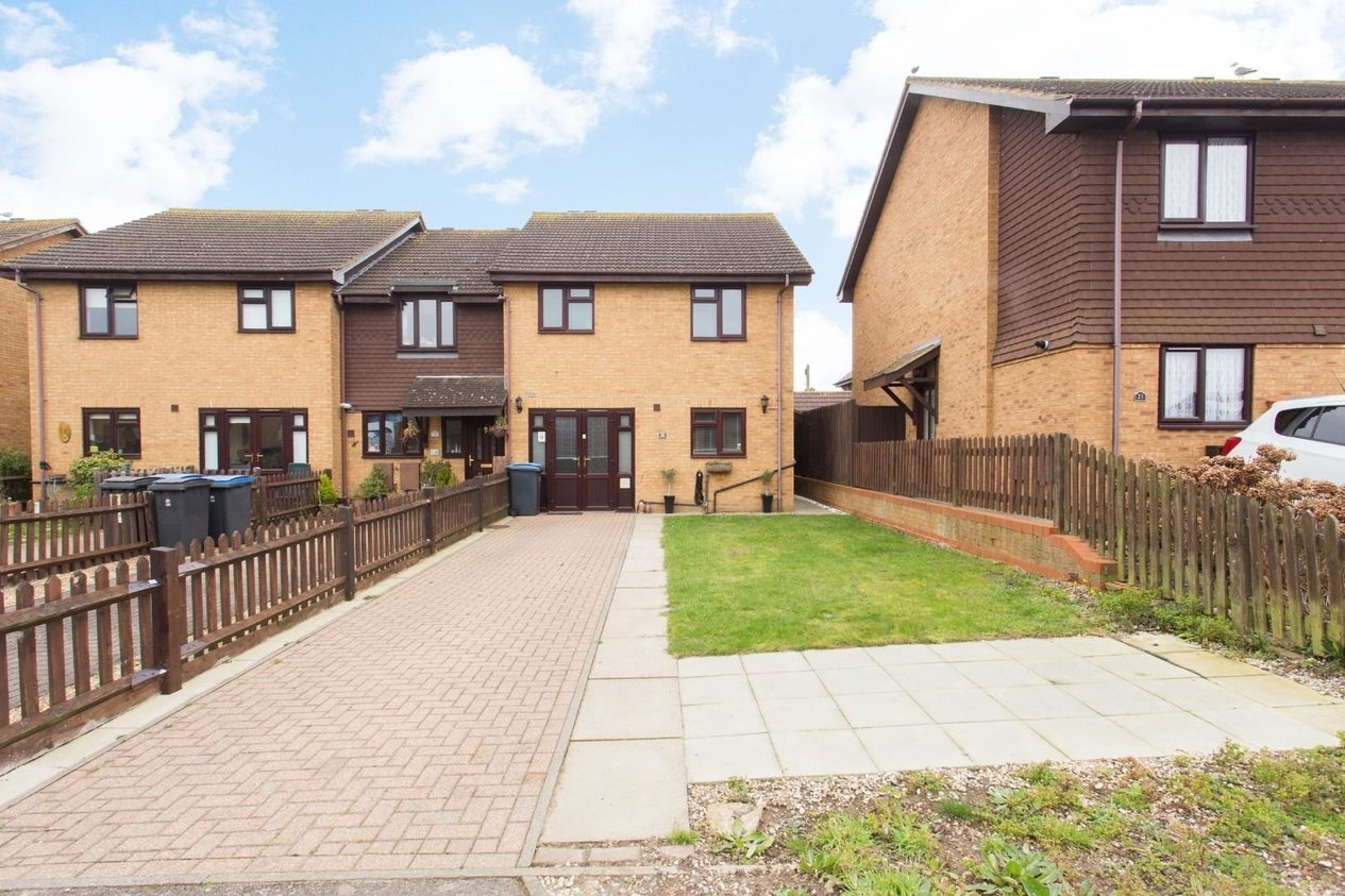 Properties Sold Subject To Contract in Becket Close