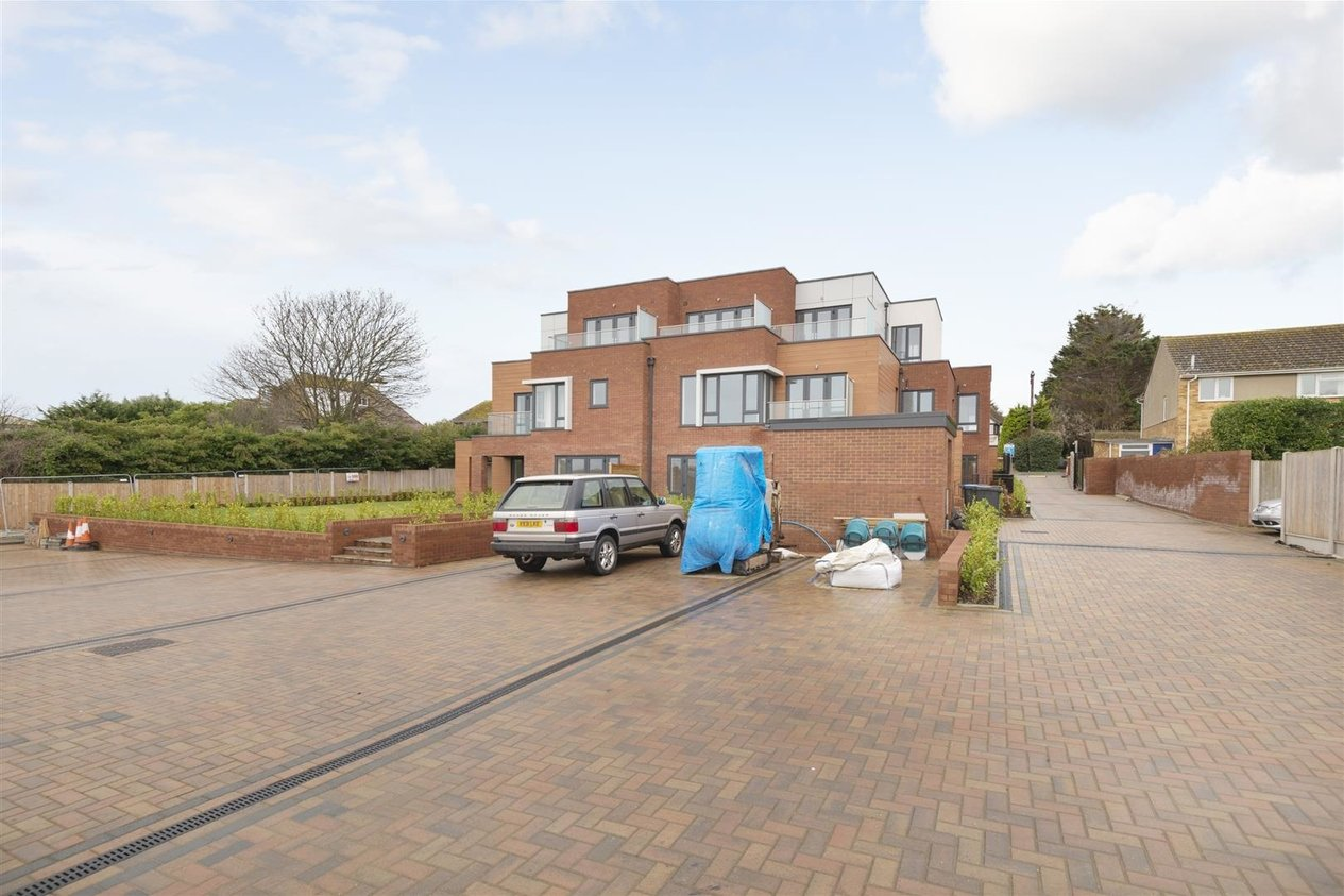 Properties Sold Subject To Contract in Kingsgate Avenue