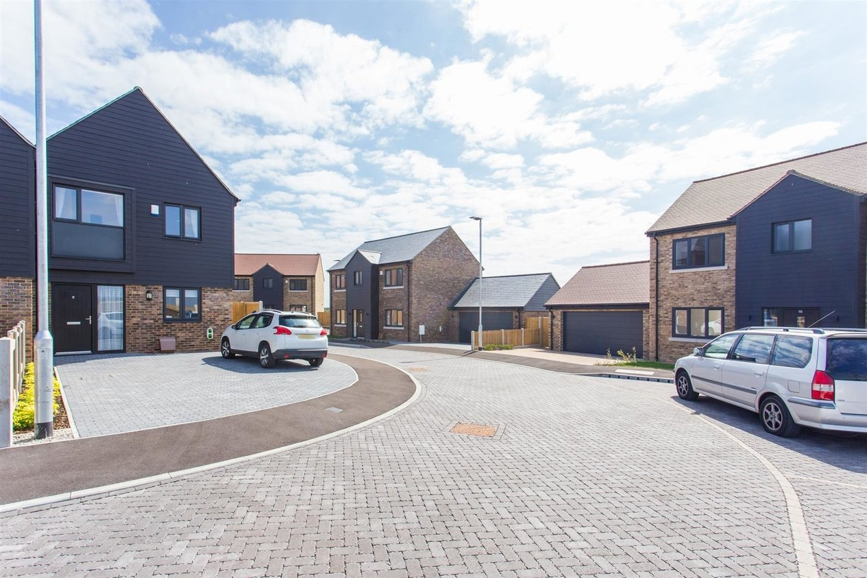 Properties Sold Subject To Contract in Brooke Close