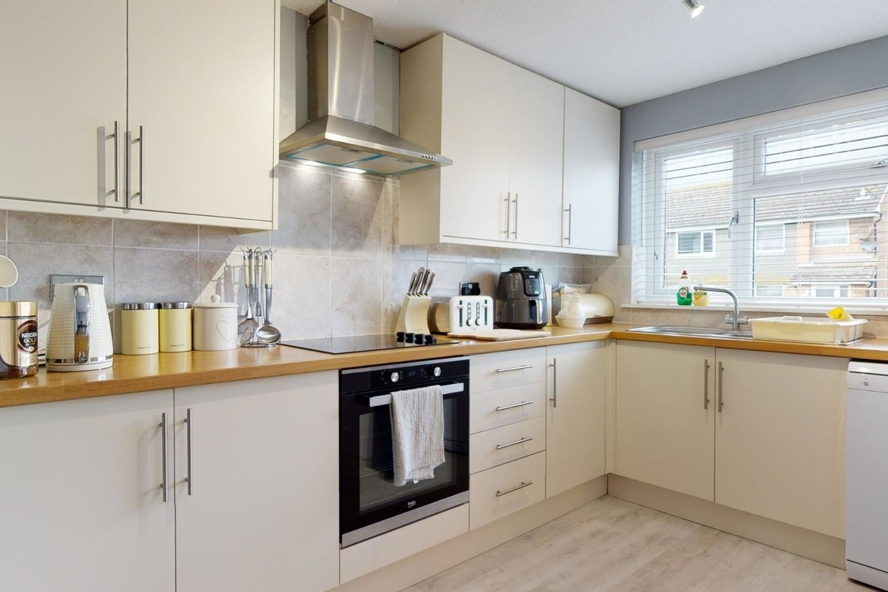 Properties For Sale in Burgess Close Whitfield