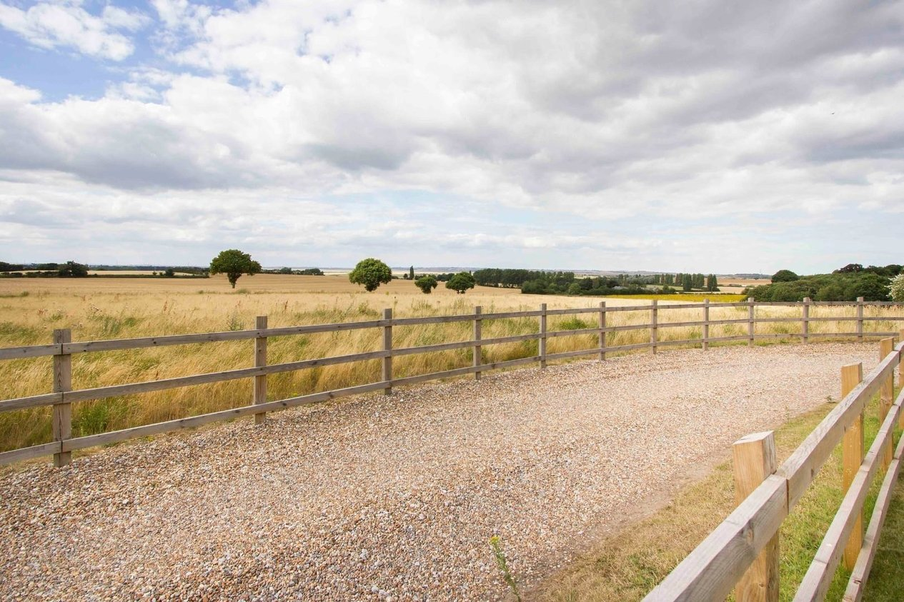 Properties Sold Subject To Contract in Bysing Wood Road Luddenham