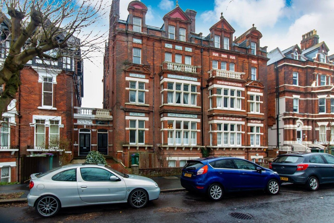 Properties Sold Subject To Contract in 46 Castle Hill Avenue