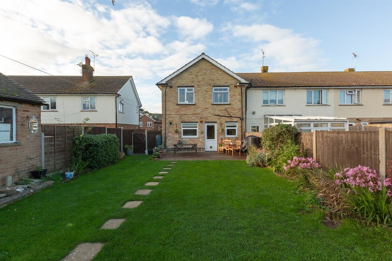 Properties Sold Subject To Contract in Charing Crescent