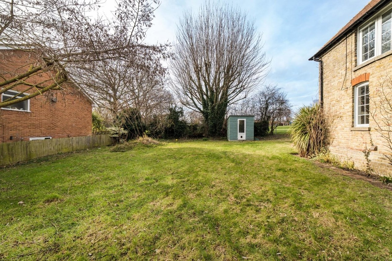 Properties For Sale in Chequer Lane Ash