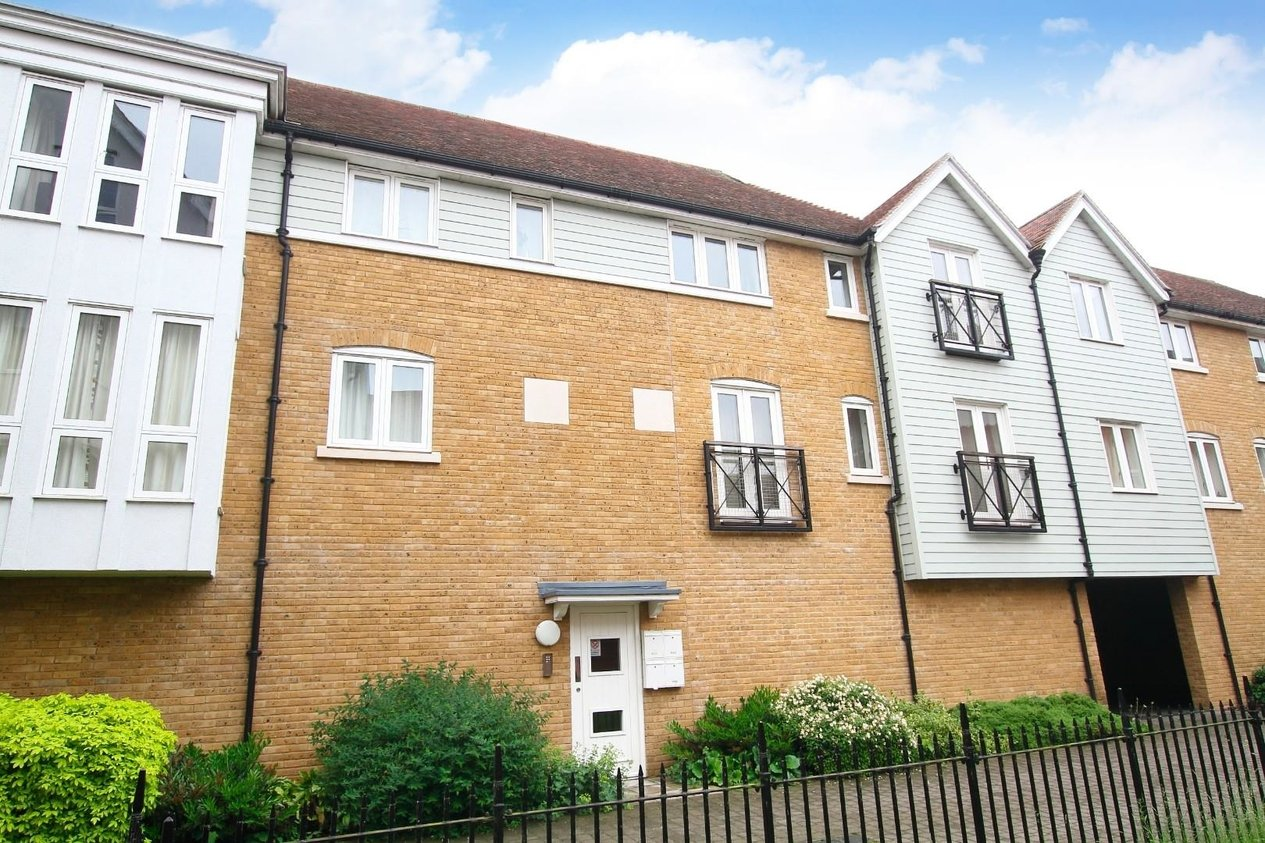 Properties For Sale in City Wall Avenue