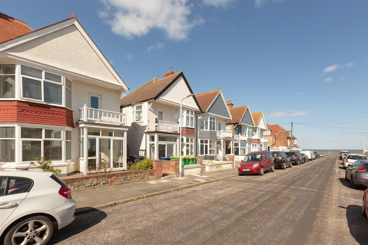 Properties Sold Subject To Contract in Cliffe Avenue