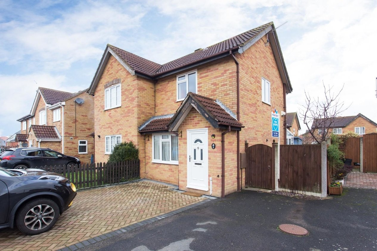 Properties Sold Subject To Contract in Coleridge Gardens Aylesham