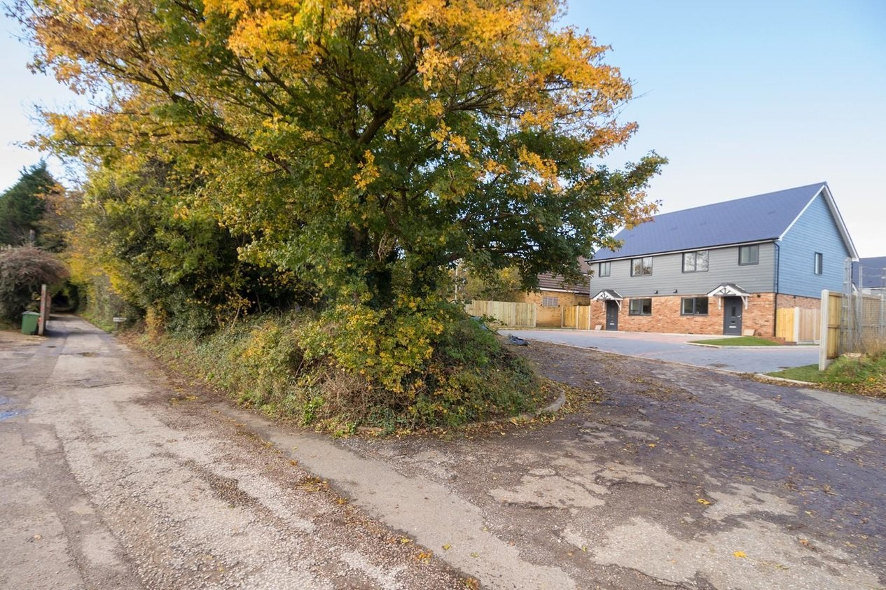 Properties Sold Subject To Contract in Cornfield Close Hawkinge