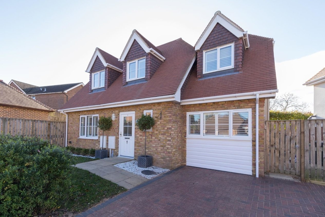 Properties For Sale in Diamond Close Eythorne