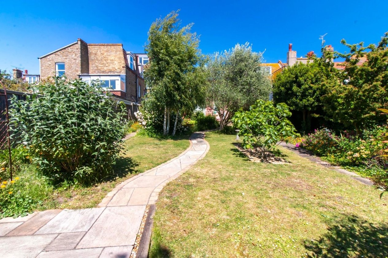 Properties For Sale in Dickens Road