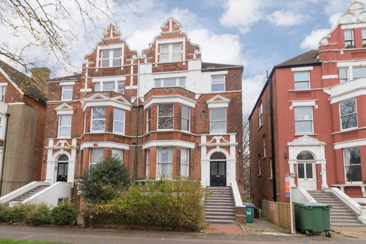 Properties Sold Subject To Contract in Earls Avenue