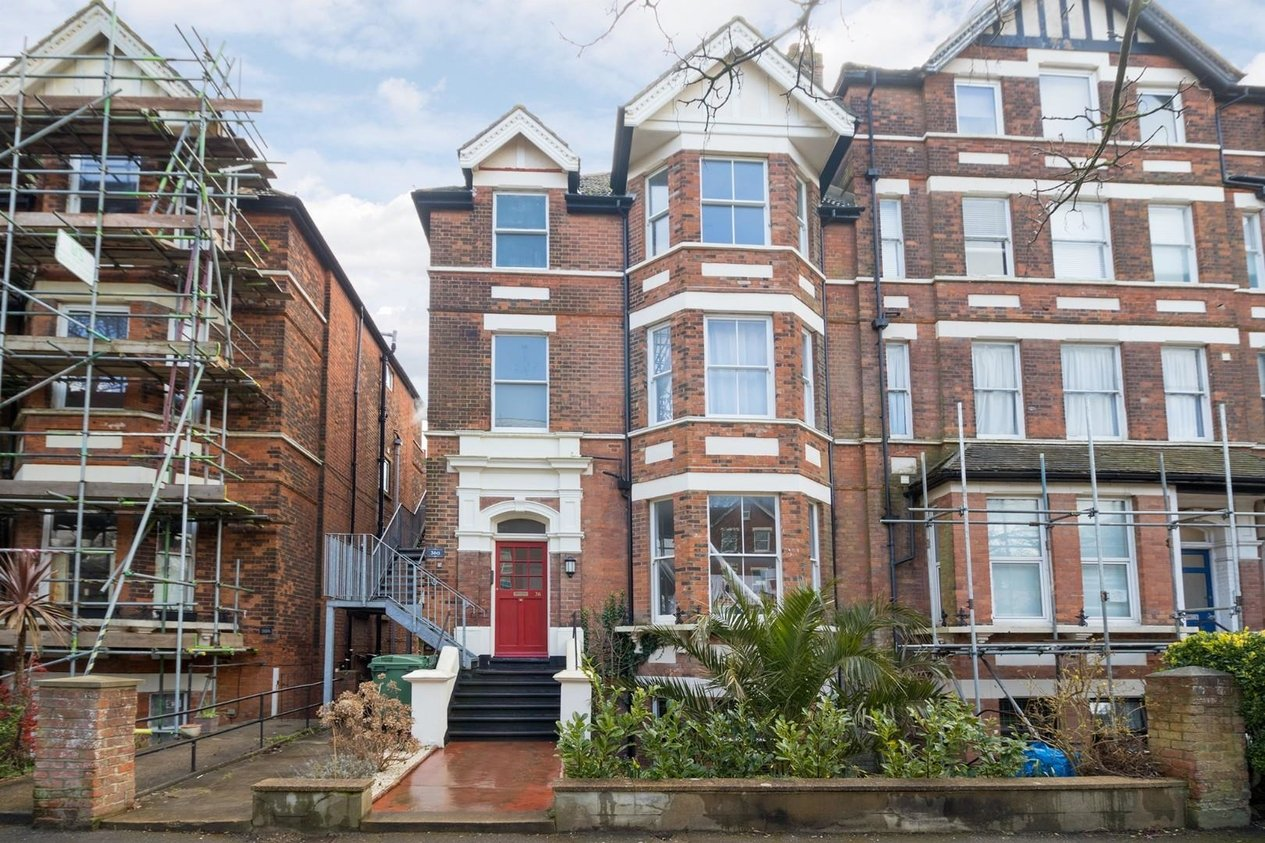 Properties For Sale in Earls Avenue