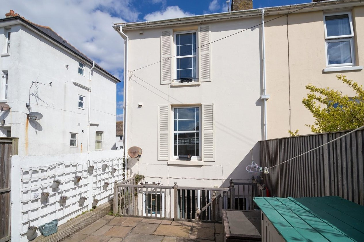 Properties Sold Subject To Contract in East Cliff