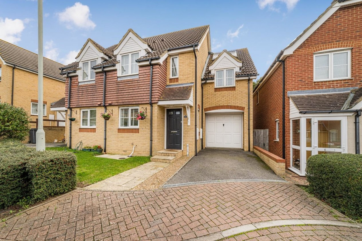Properties Sold Subject To Contract in Emelina Way