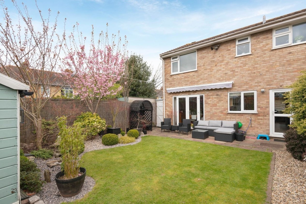 Properties For Sale in Fairacre