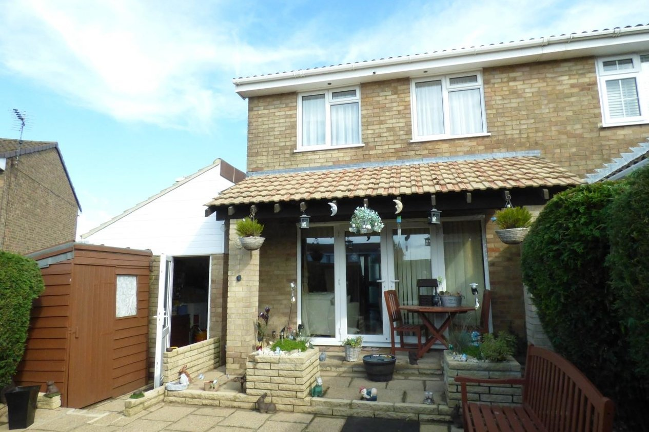 Properties For Sale in Farncombe Way