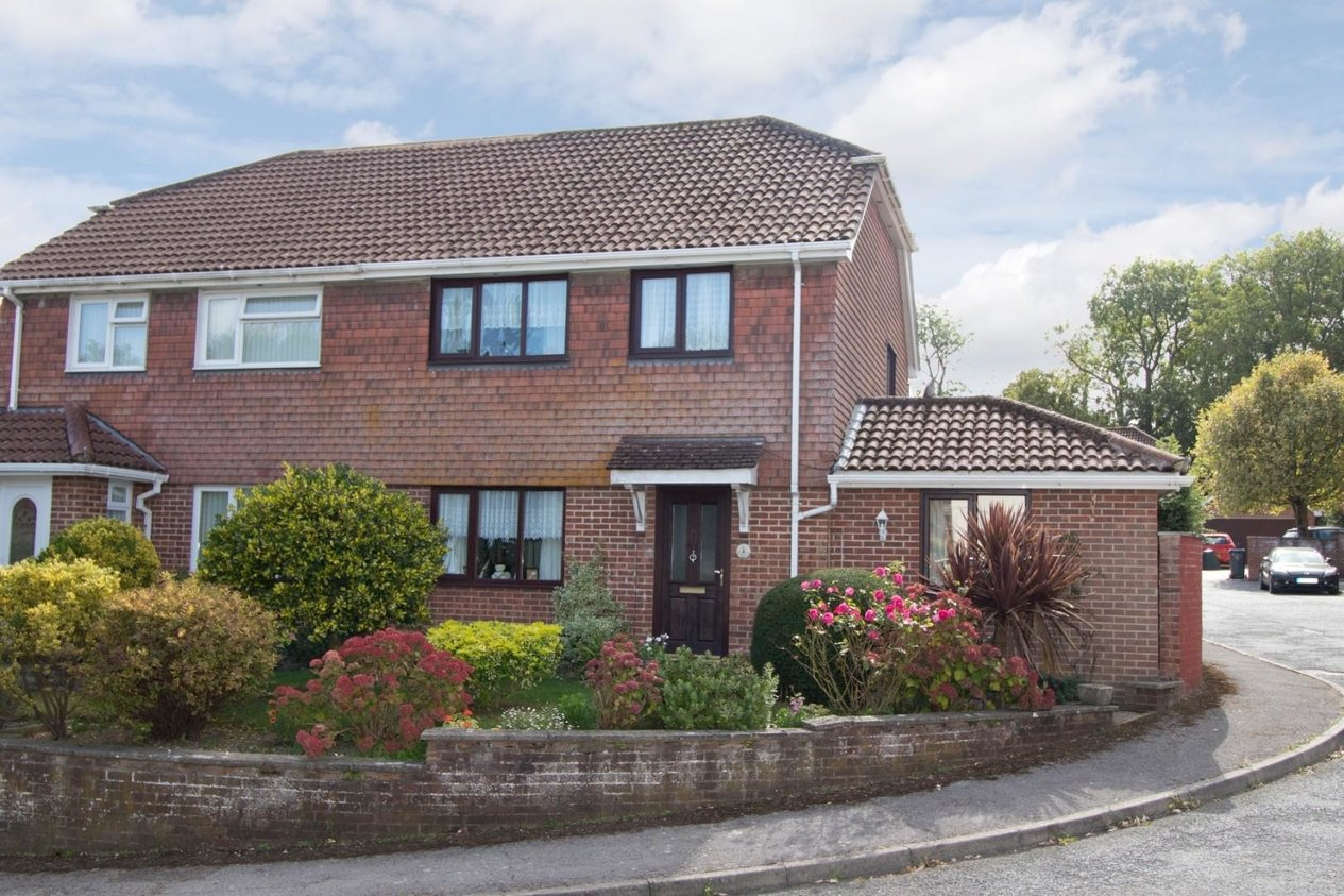 Properties Sold Subject To Contract in Forge Close Eythorne