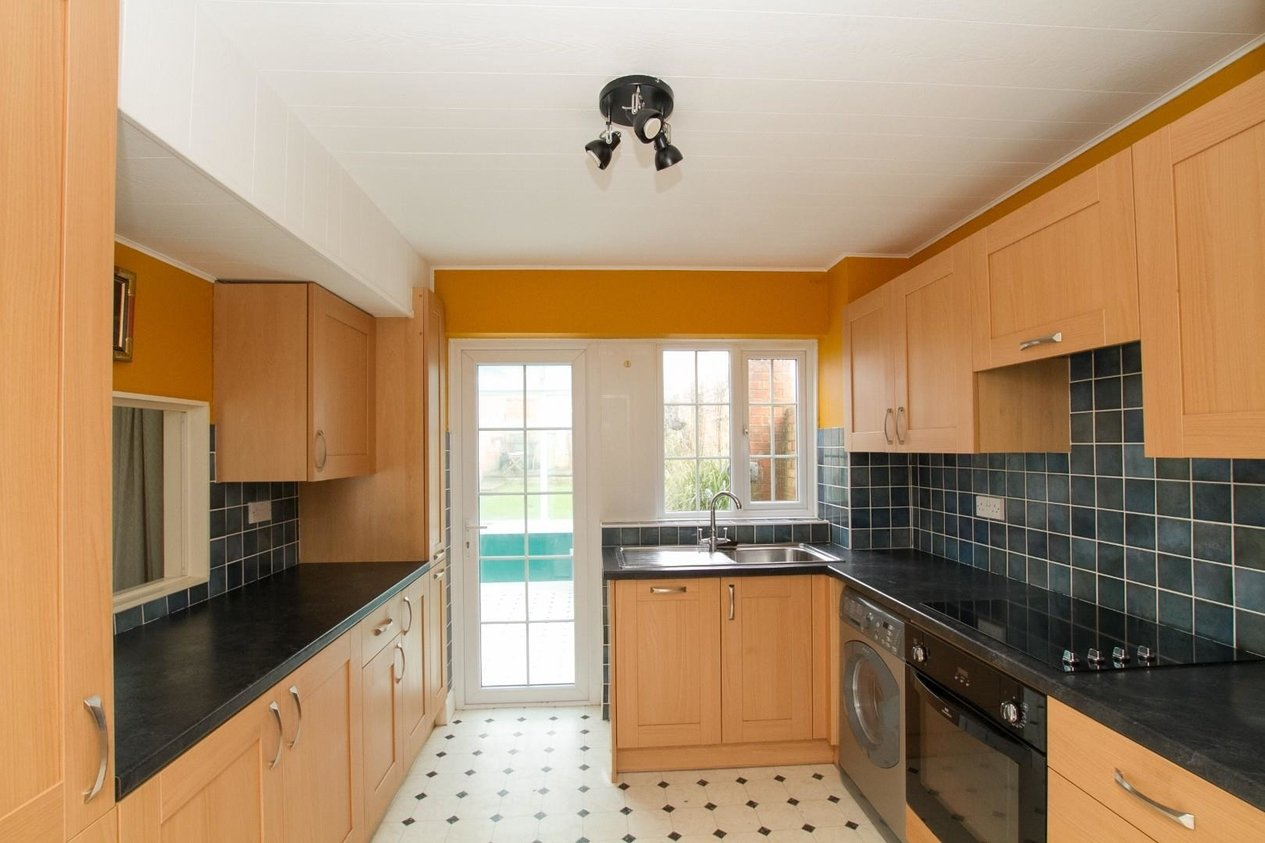 Properties For Sale in Gainsborough Close