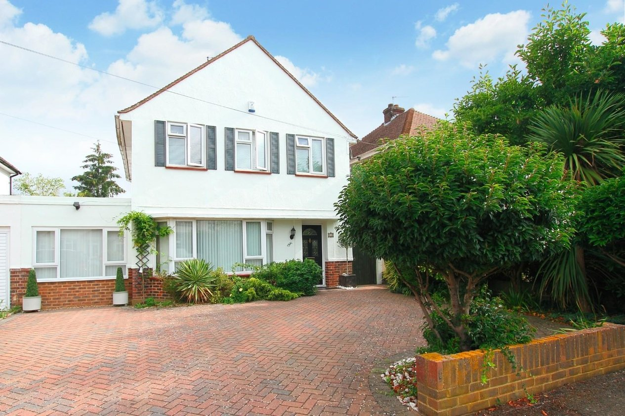 Properties Sold Subject To Contract in Garden Close Rough Common