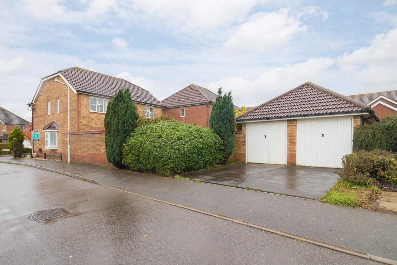 Properties Sold Subject To Contract in Geddes Close Hawkinge