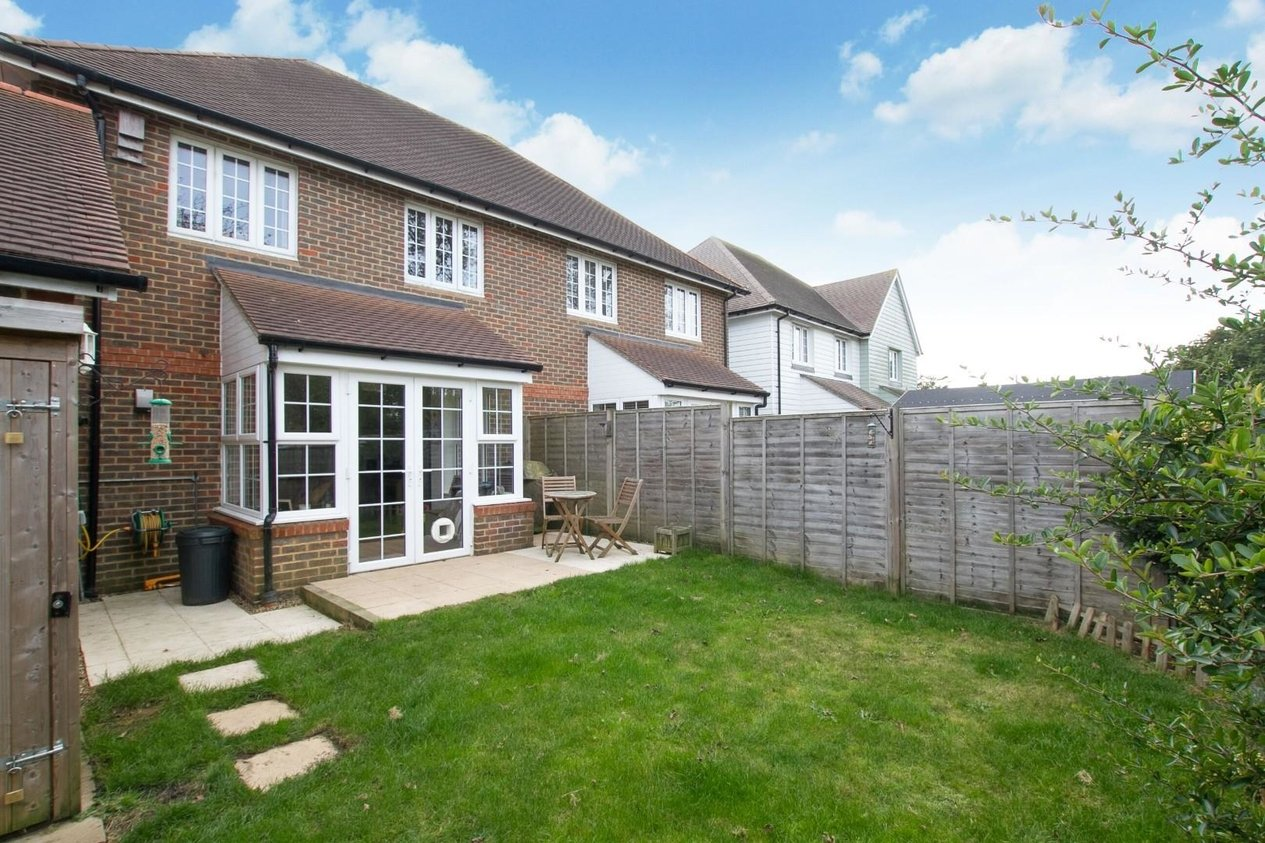 Properties Sold Subject To Contract in Gibson Close Hawkinge