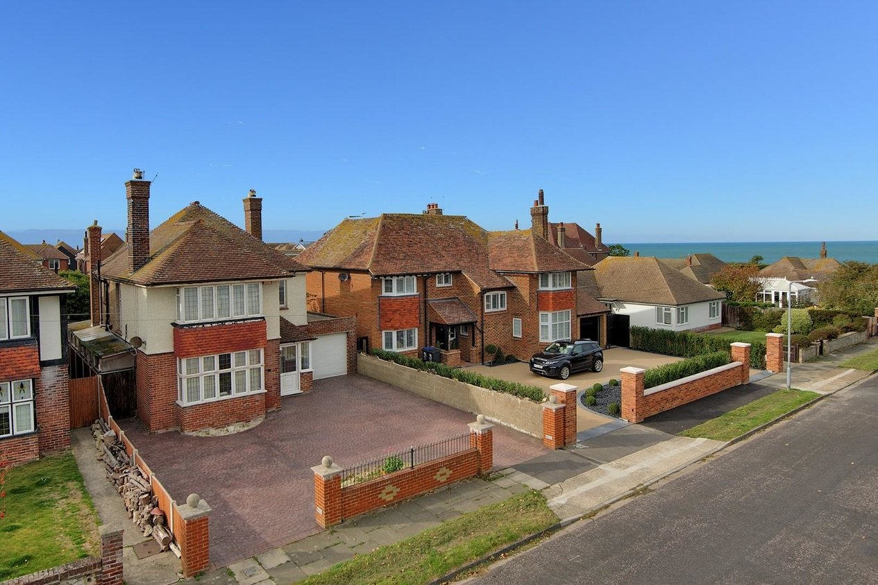 Properties For Sale in Gresham Avenue