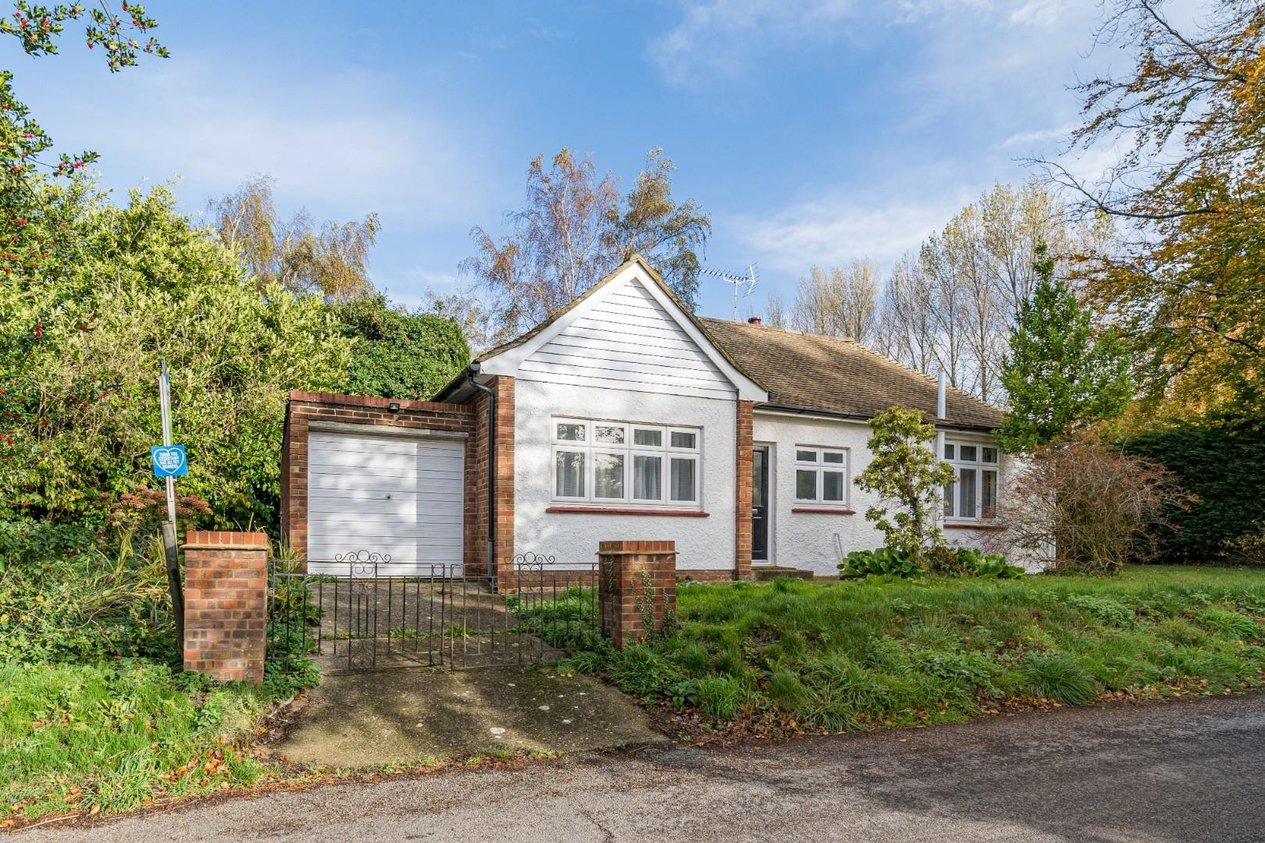 Properties Sold Subject To Contract in Grove Road Selling