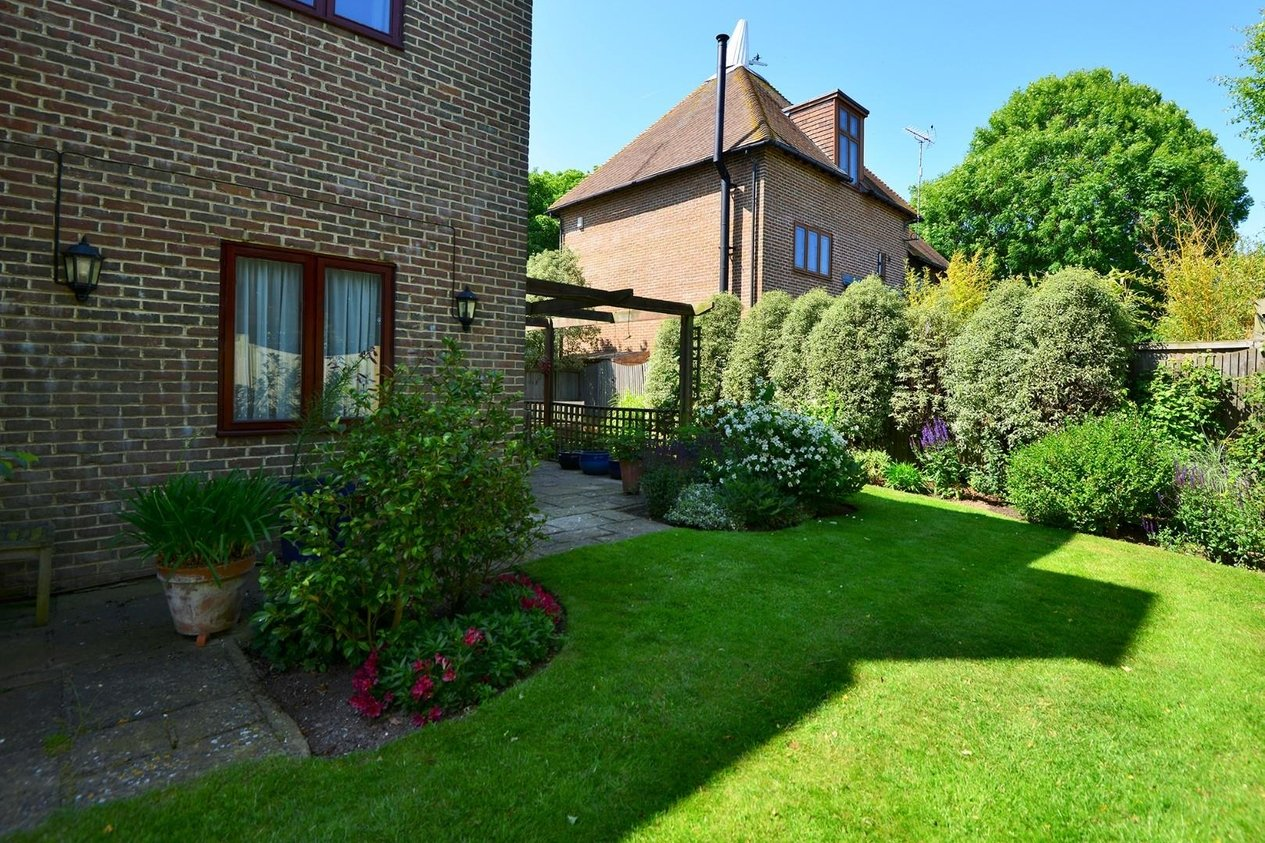 Properties For Sale in Highlands Glade Manston
