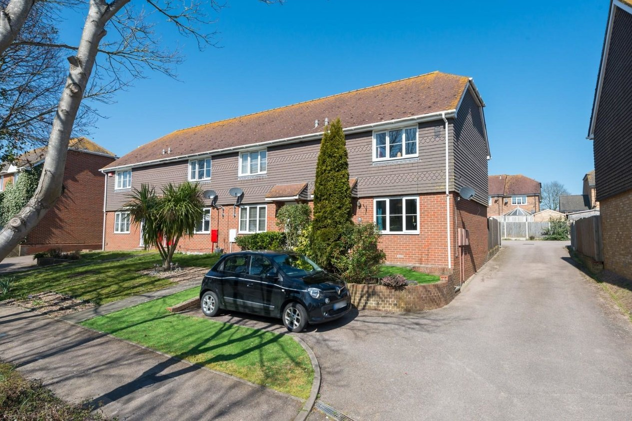 Properties Sold Subject To Contract in Hill House Drive Minster