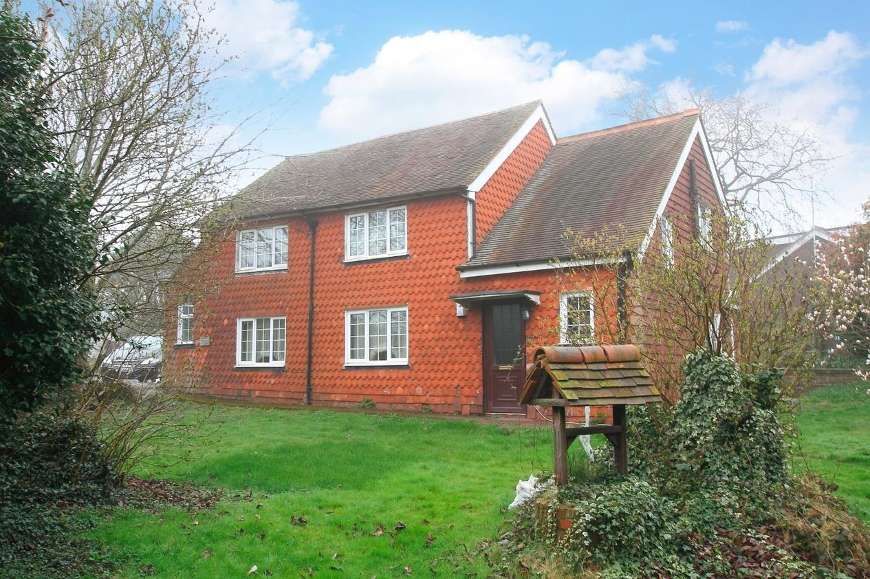 Properties For Sale in Howfield Lane Chartham Hatch