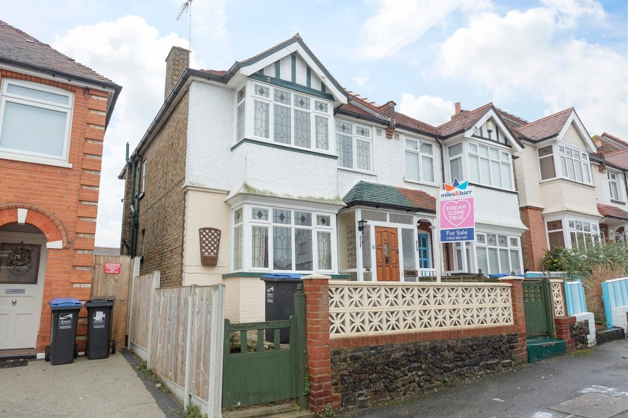 Properties Sold Subject To Contract in King Edward Avenue