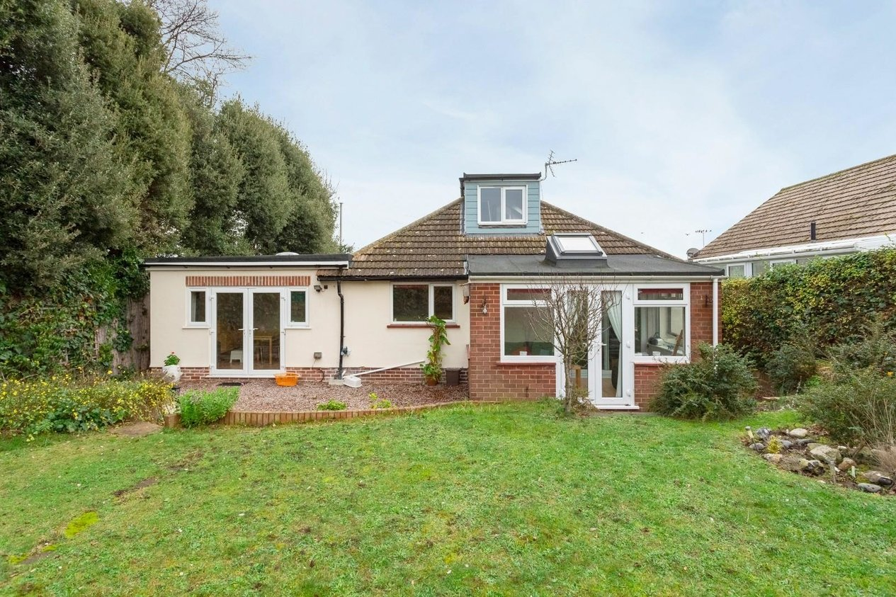 Chalet Bungalow Detached For Sale In Kings Avenue