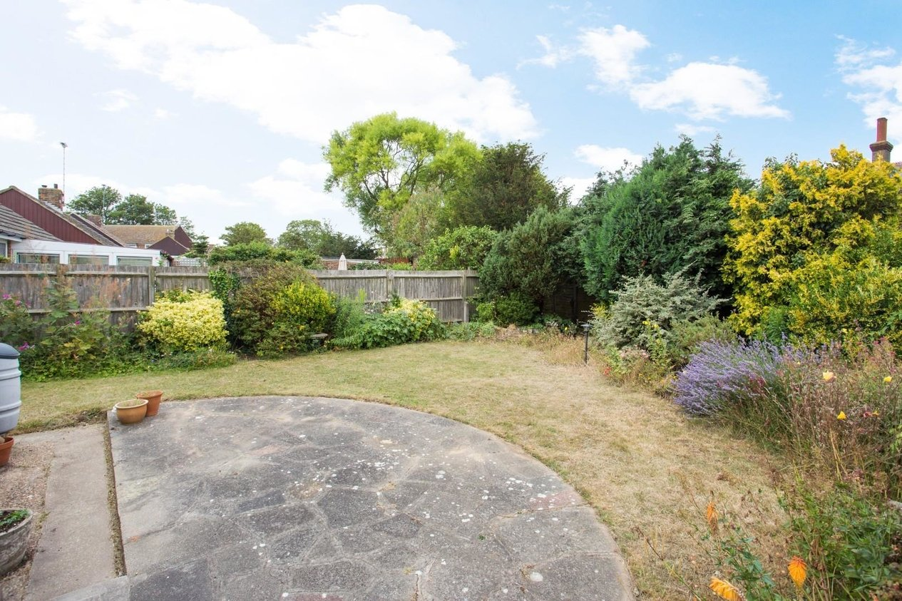 Properties Sold Subject To Contract in Laleham Gardens