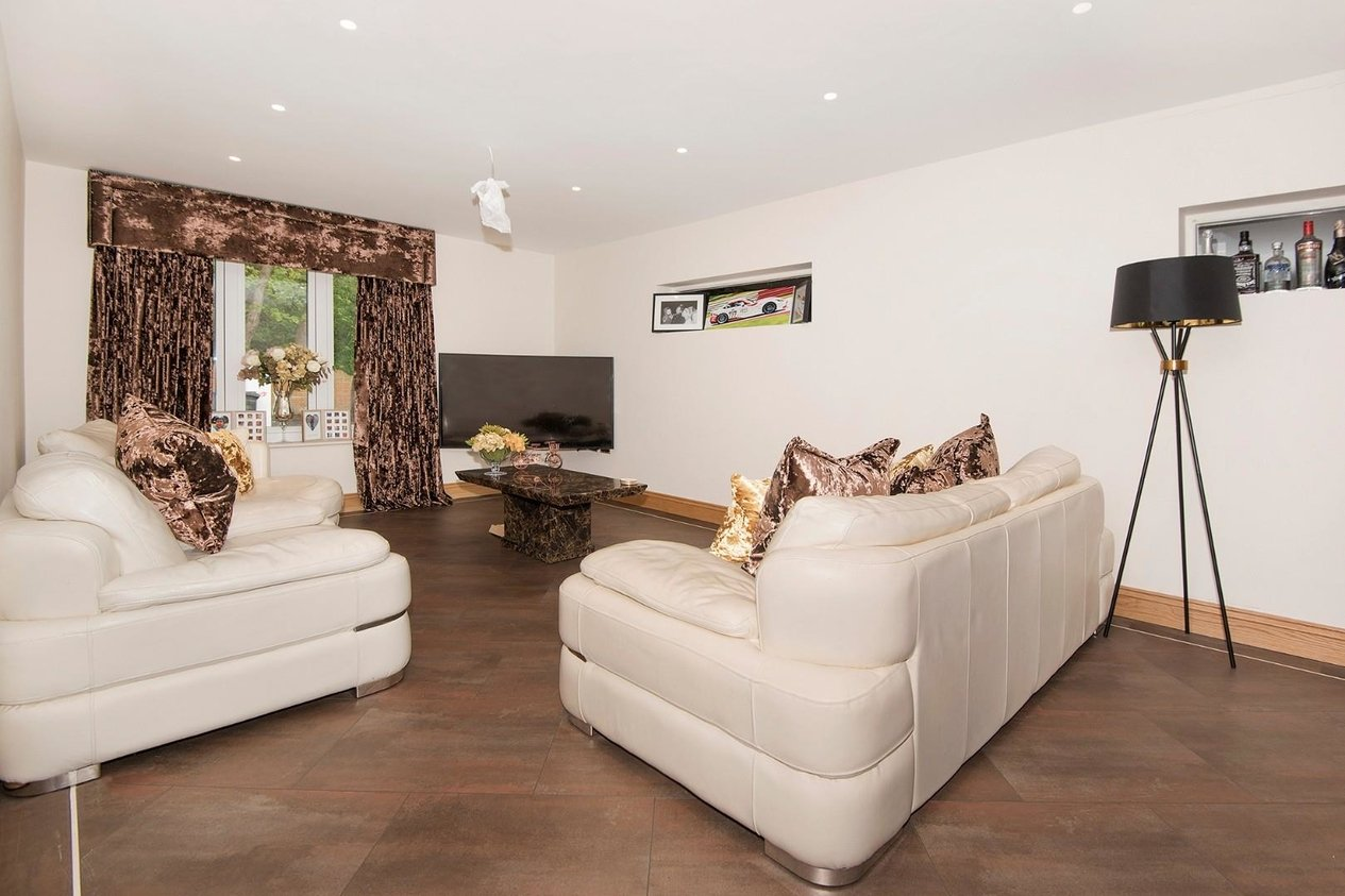 Properties For Sale in Lanthorne Road