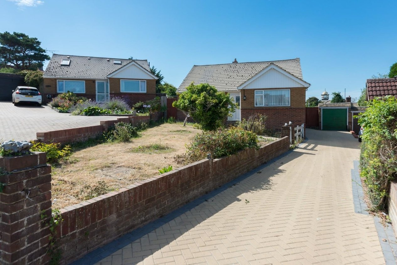 Properties Sold Subject To Contract in Lauriston Close