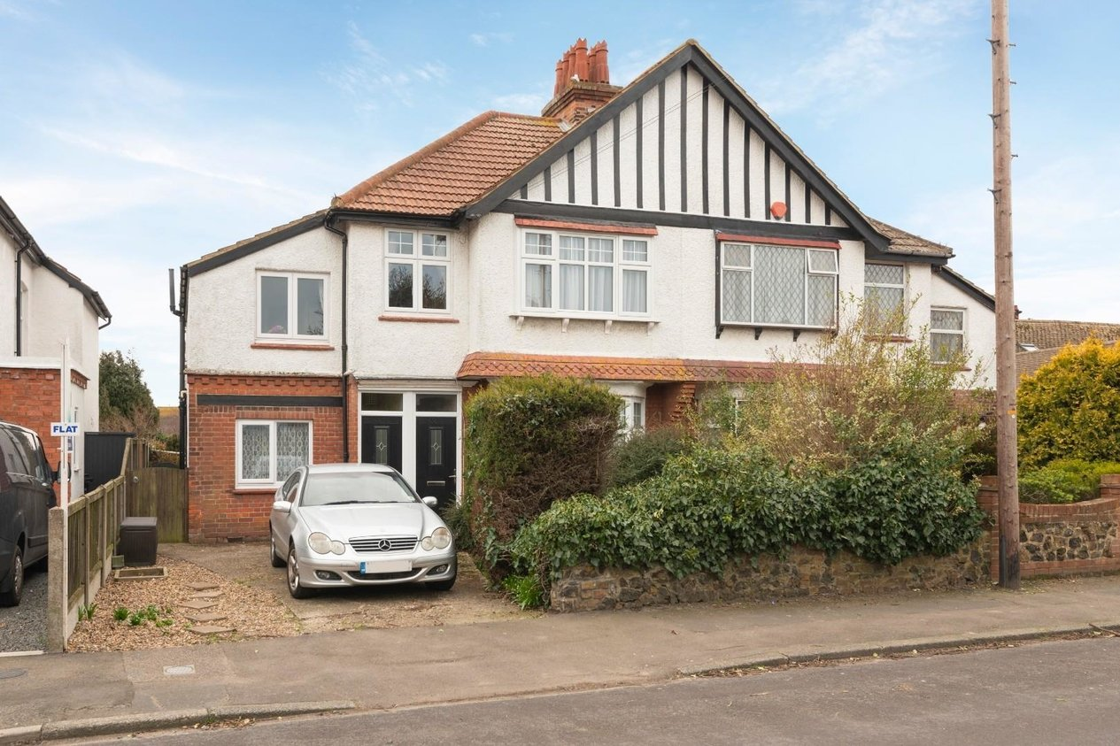 Properties For Sale in Lindenthorpe Road