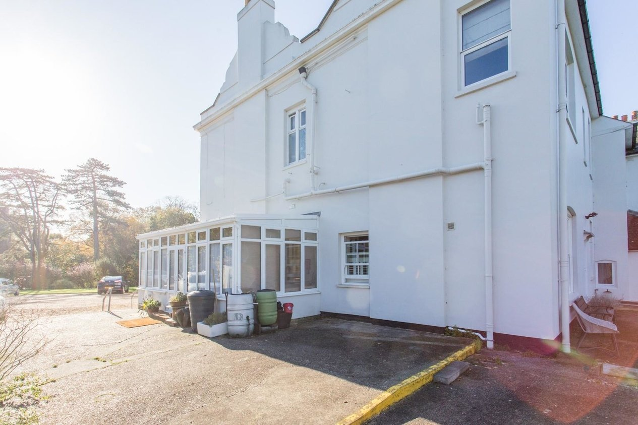 Properties Sold Subject To Contract in London Road Dunkirk