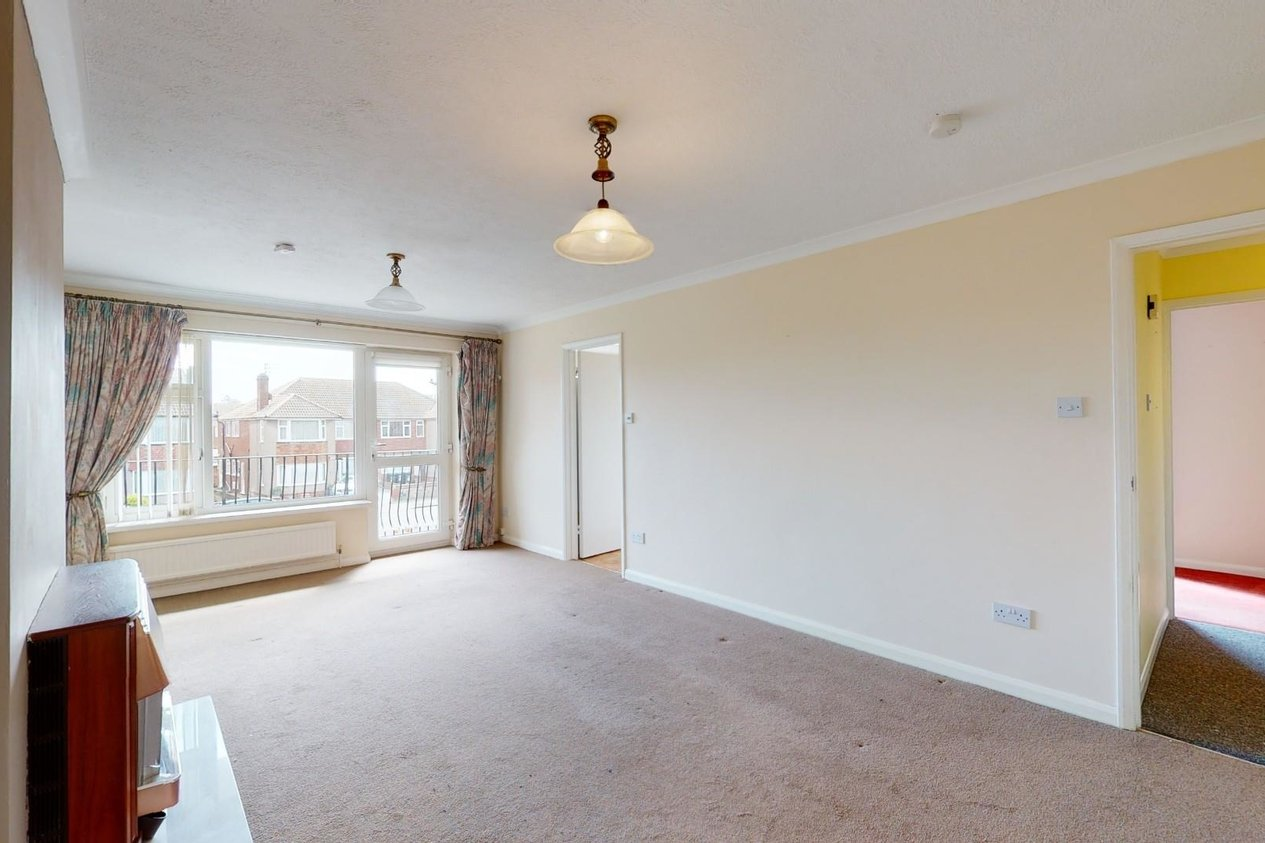 Properties For Sale in Luton Avenue