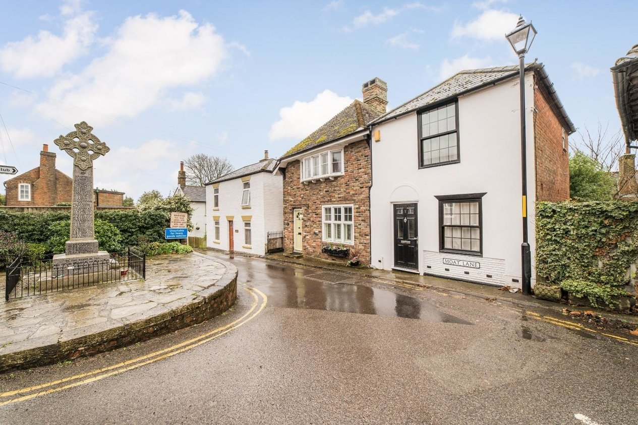 Properties Sold Subject To Contract in Moat Lane Ash