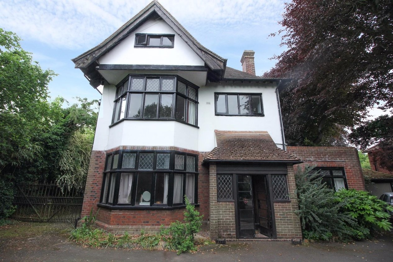 Properties For Sale in New Dover Road