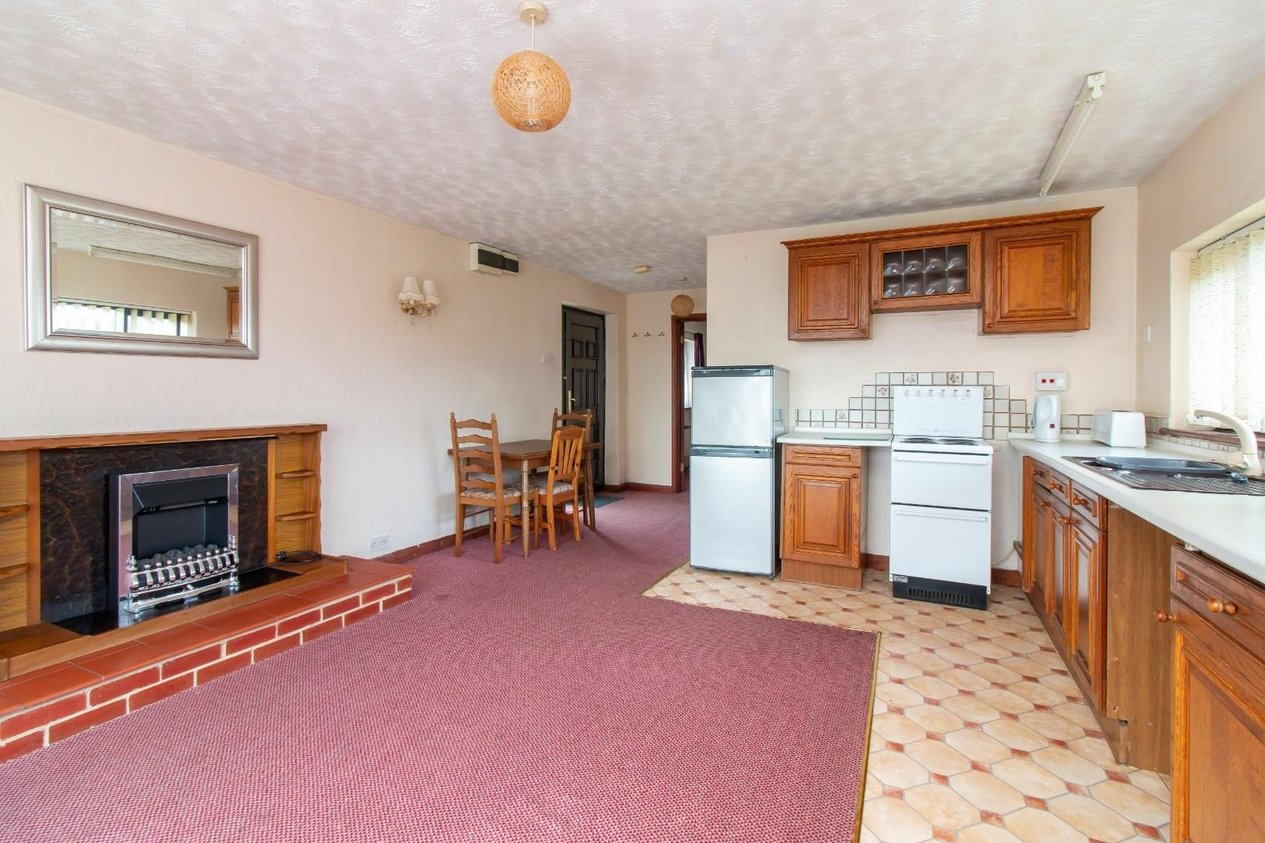 Properties For Sale in New Dover Road Capel-Le-Ferne