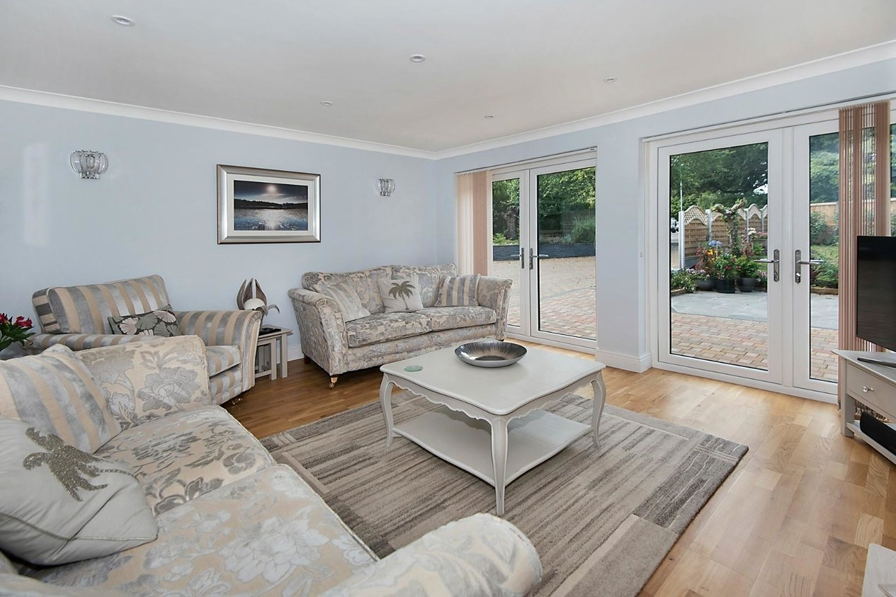 Bungalow Detached For Sale In Park Avenue Broadstairs