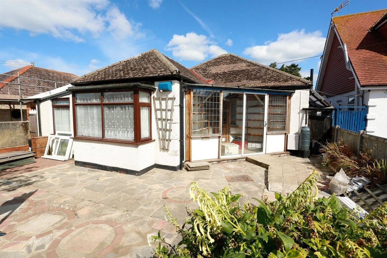 Properties Sold Subject To Contract in Quex View Road
