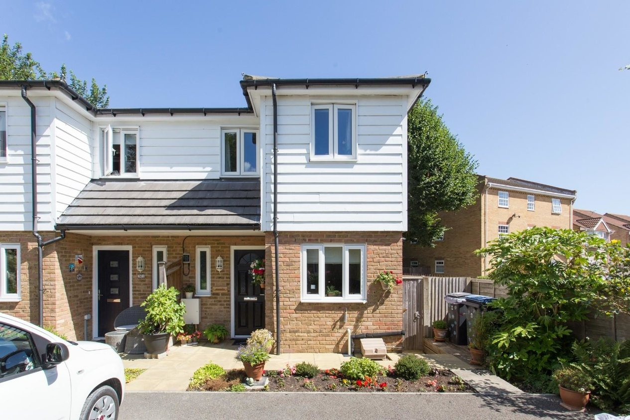 Properties Sold Subject To Contract in Ravenscourt Road