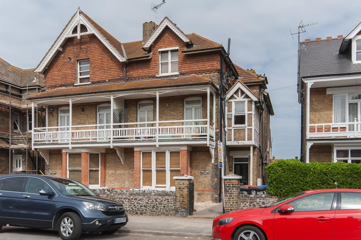Properties Sold Subject To Contract in Roxburgh Road